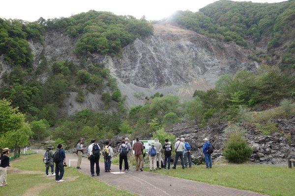 大西山の崩壊跡地を見学しました。
