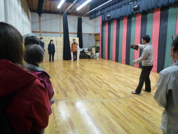中尾歌舞伎の舞台裏も見学しました